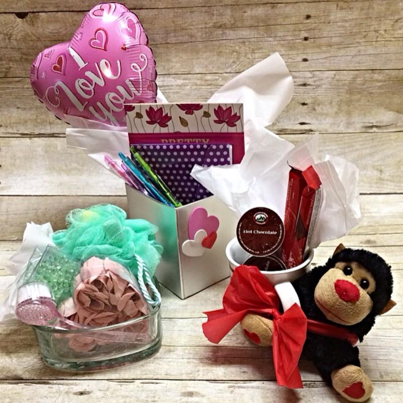 25 Dollar Gifts 3 dollar store valentine's day gifts under $5 each - www